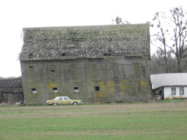 Taking odds on when this barn will fall